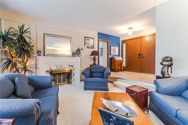1 Erinbrook Crescent, St. Catharines, ON - CAN (photo 5)