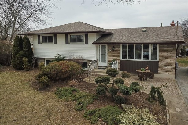 13 Brookbanks Drive, St. Catharines, ON - CAN (photo 1)