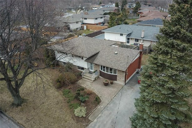 13 Brookbanks Drive, St. Catharines, ON - CAN (photo 2)