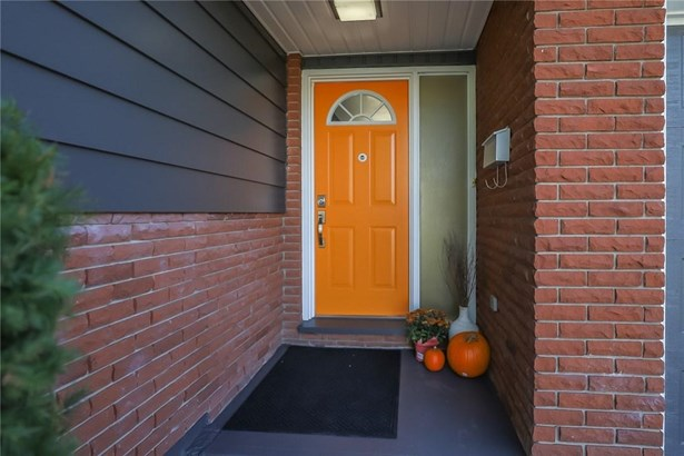 4 Donlon Circle, St. Catharines, ON - CAN (photo 3)