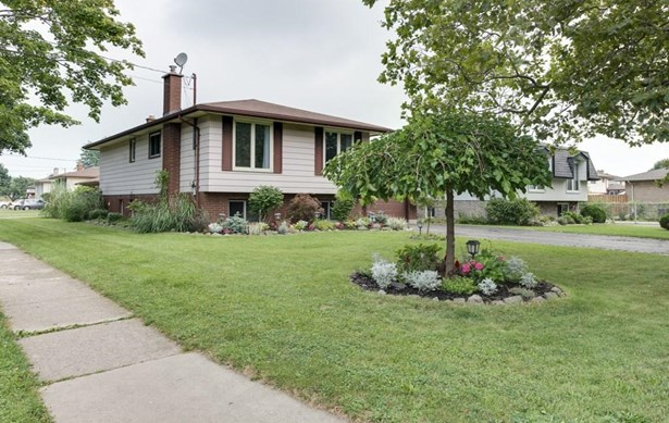 1 Linlake Drive, St. Catharines, ON - CAN (photo 1)