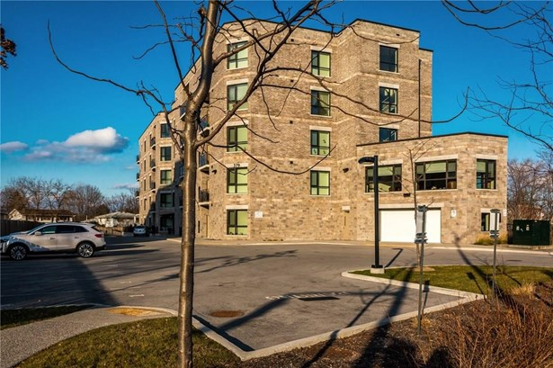 379 Scott Street 506, St. Catharines, ON - CAN (photo 1)