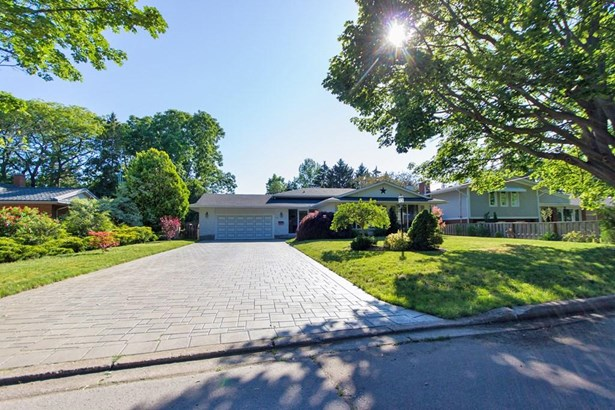 13 Cartier Drive, St. Catharines, ON - CAN (photo 1)