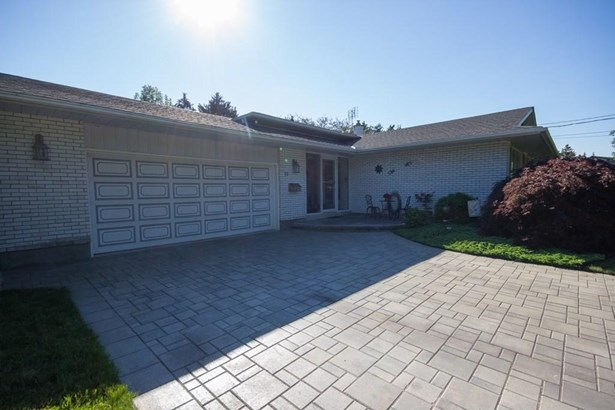 13 Cartier Drive, St. Catharines, ON - CAN (photo 4)