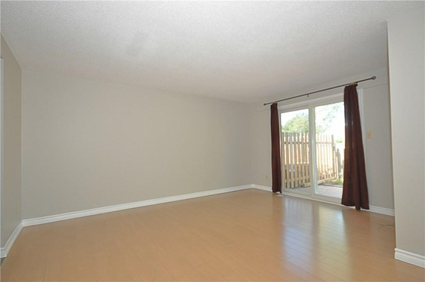 242 Lakeport Road 8, St. Catharines, ON - CAN (photo 3)