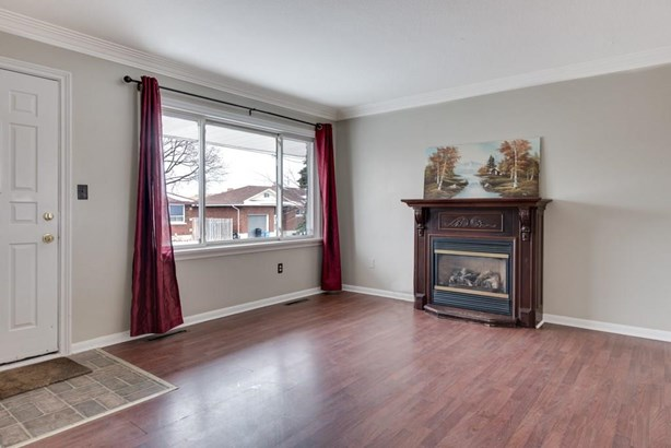 8 Myrtle Street, St. Catharines, ON - CAN (photo 3)