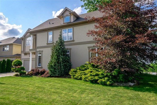 22 Ursula Avenue, St. Catharines, ON - CAN (photo 3)