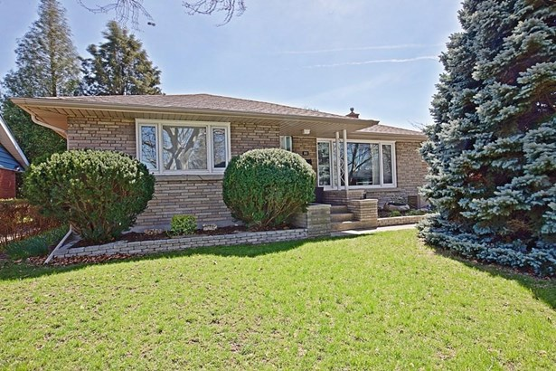 21 Overholt Street, St. Catharines, ON - CAN (photo 2)
