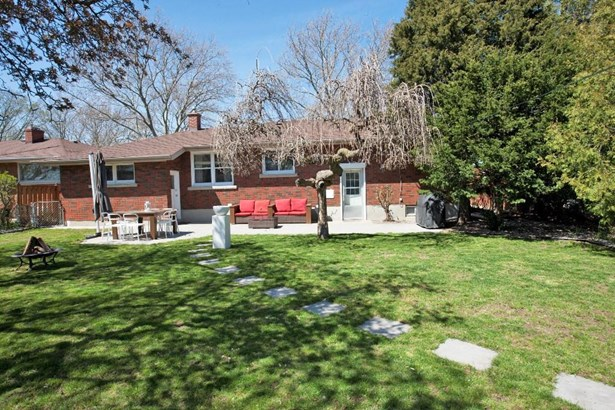 21 Overholt Street, St. Catharines, ON - CAN (photo 4)