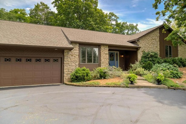 4124 Georgesville-wrightsville Road, Grove City, OH - USA (photo 1)