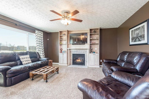 8411 Bent Maple Court, Blacklick, OH - USA (photo 4)