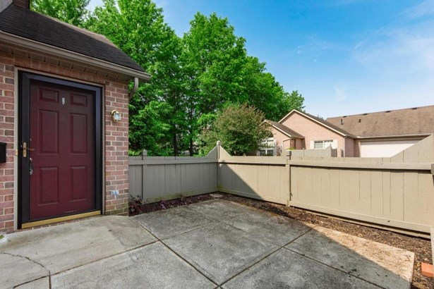 6051 Blendon Chase Drive, Westerville, OH - USA (photo 3)