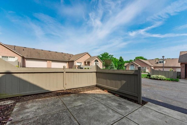 6051 Blendon Chase Drive, Westerville, OH - USA (photo 4)