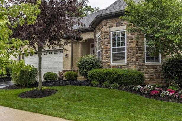 6069 Tournament Drive , Westerville, OH - USA (photo 1)