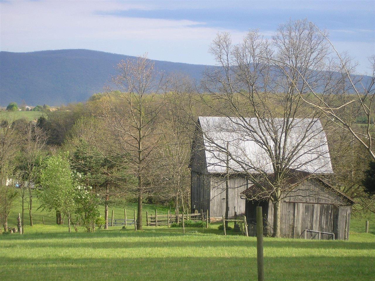 Oranda/Clary area of Shenandoah County - grandparents barn