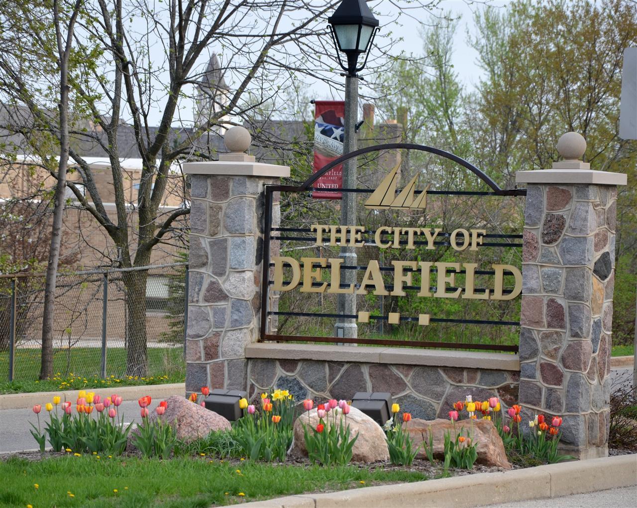 Delafield, WI