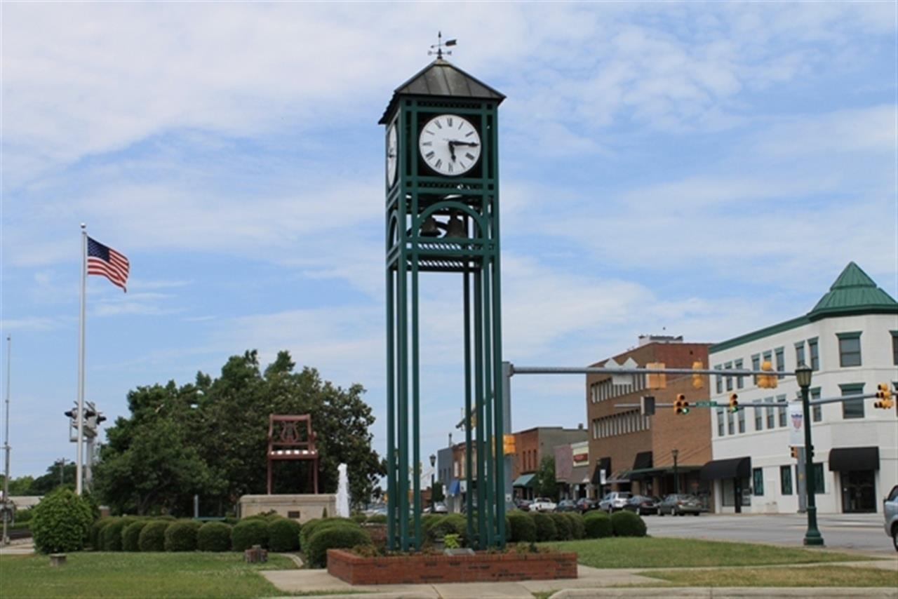 #Thomasville, NC #ClockTower #TheBigChair #vintagecharm