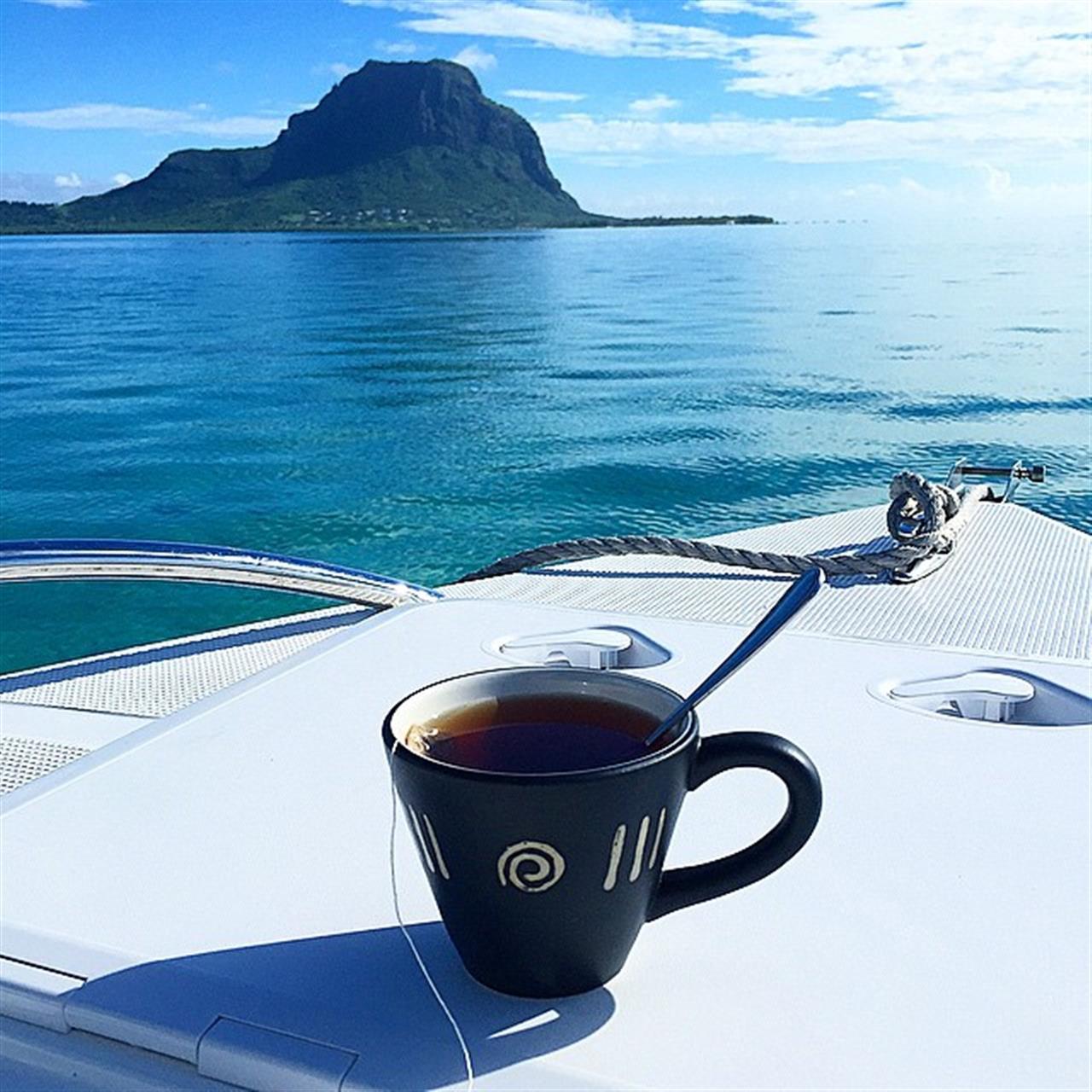 Teatime #lagoon #mauritius #LeadingRelocal