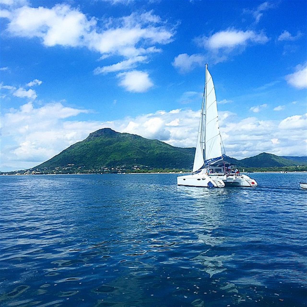 #sailing #catamaran #mauritius #LeadingRelocal #lagoon