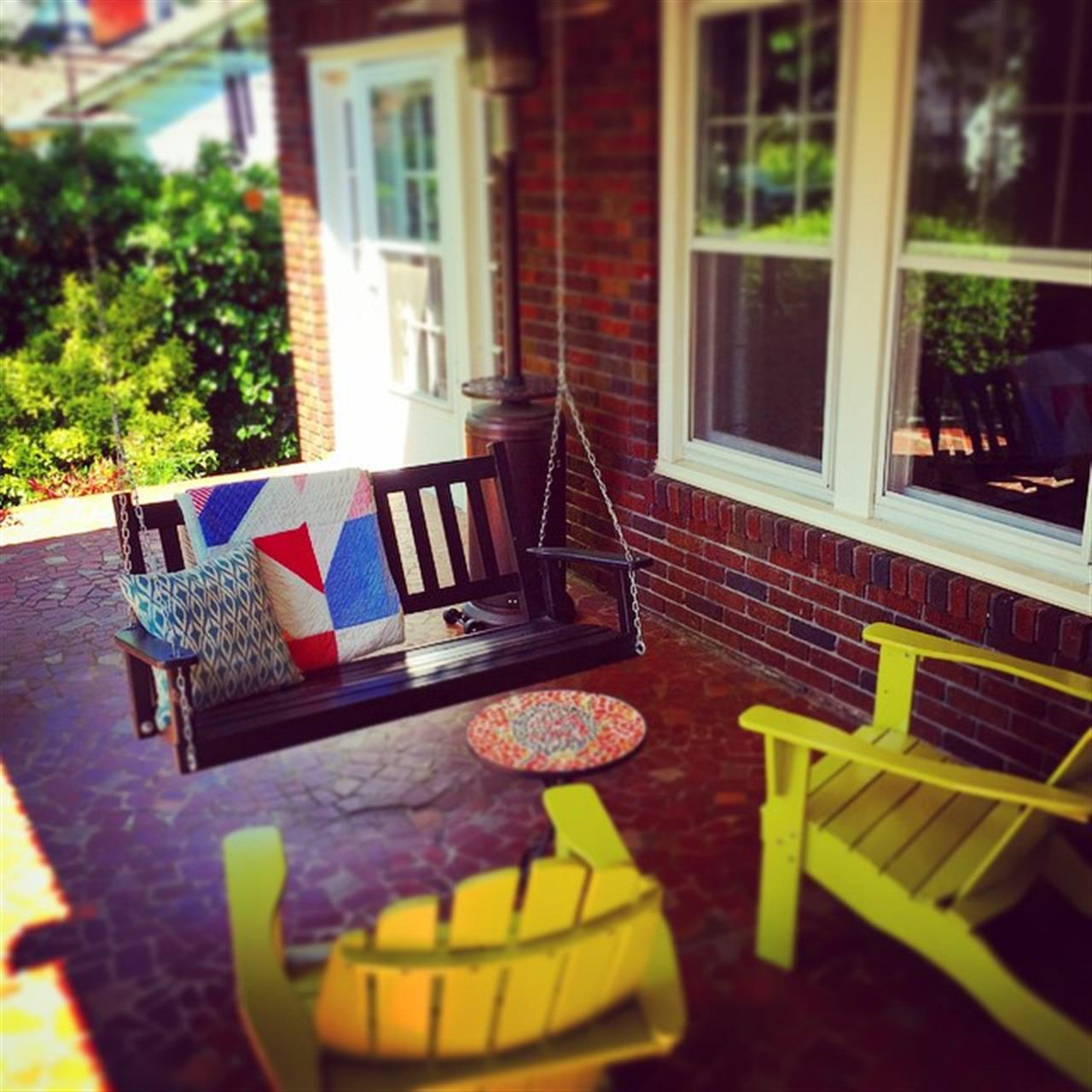 Ardmore Front Porch Living #WinstonSalem #LeadingRElocal