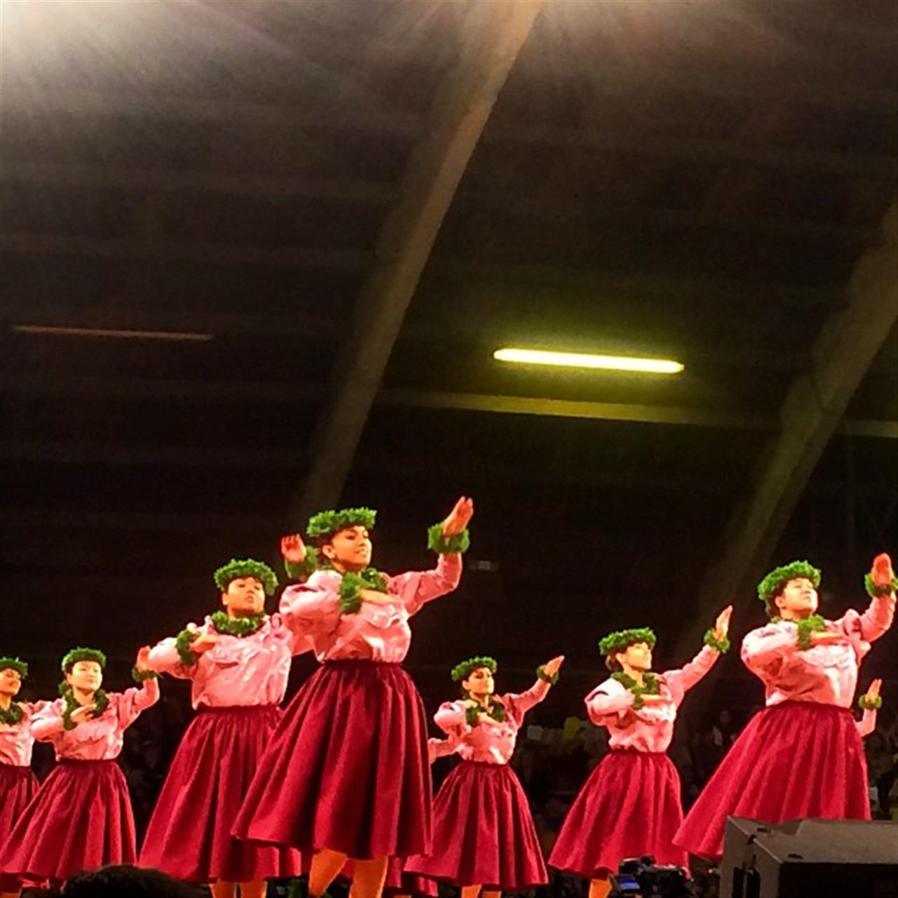 Kahiko night! #MM2015 #MerrieMonarch #hawaiilife #hula #leadingRElocal