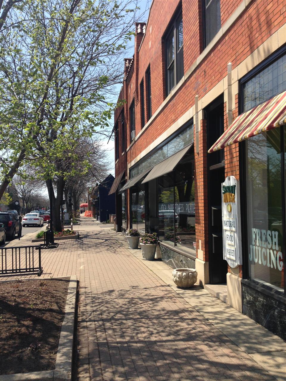 Sidwalk view of storefronts ~ Grosse Pointe Park, Michigan #LeadingRElocal #GrossePointe #Michigan