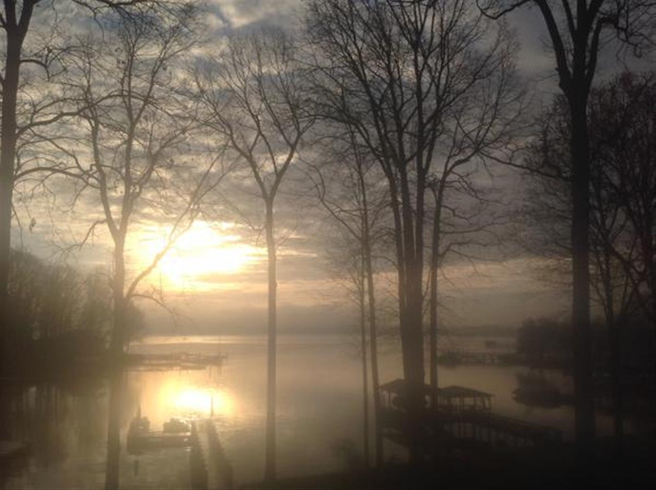 The morning mist over Lake Norman in Denver NC #LeadingRElocal