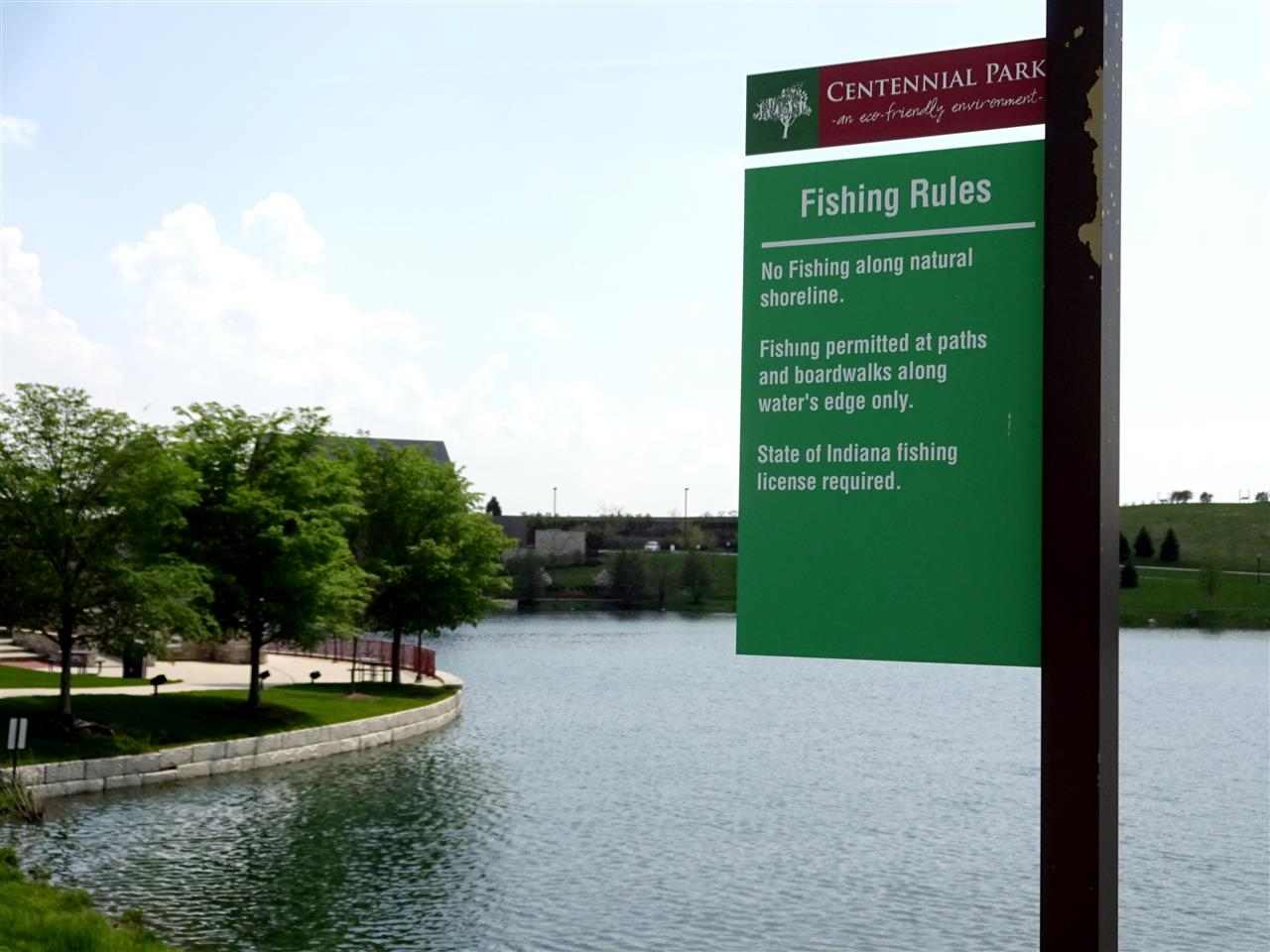 Centennial Park Fishing Pond in Munster, Indiana