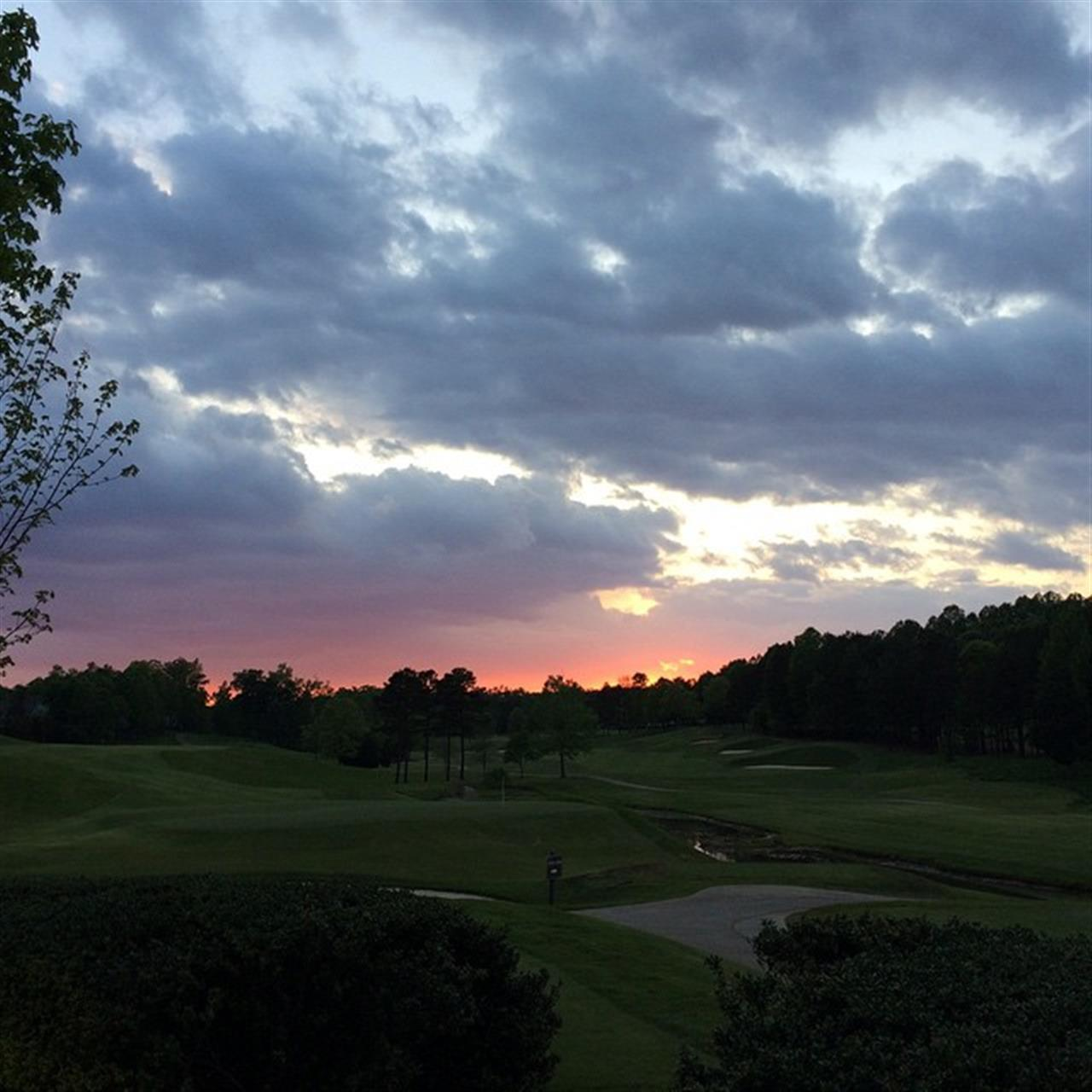 The sunset in Northstone Country Club (Huntersville, NC).