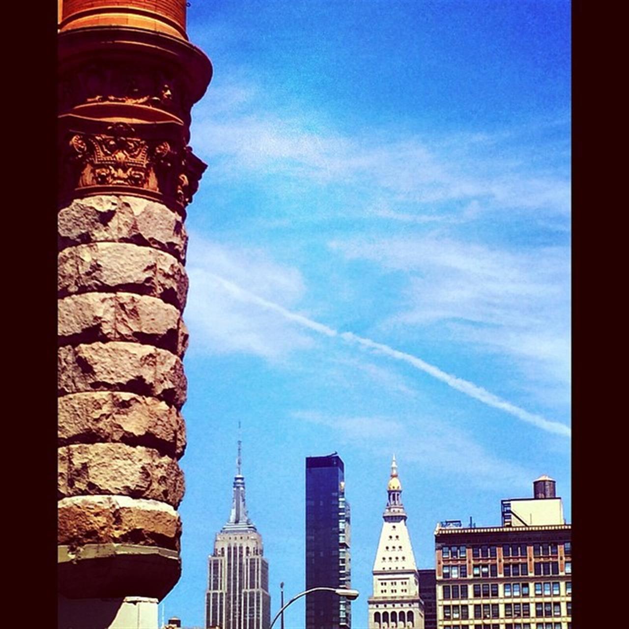 New York from a Broadway angle. #LeadingRElocal #ExploreYourHood #NYC #newyork #newyorkcity #ilovenewyork #halstead #homesweethome #wigderfrota #photobywigderfrota