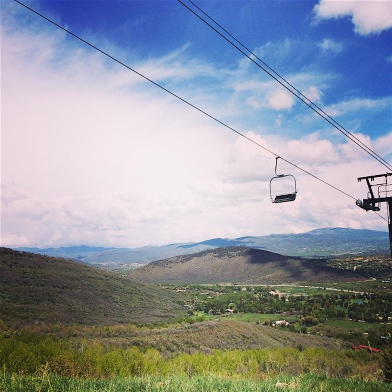 The sun came out to play today @pcski! #parkcity #chairlift #green #leadingrelocal #lovewhereyoulive #slc