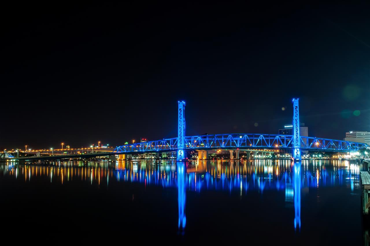 #Jacksonville,FL #DowntownJacksonville #StJohnsRiver #MainStreetBridge