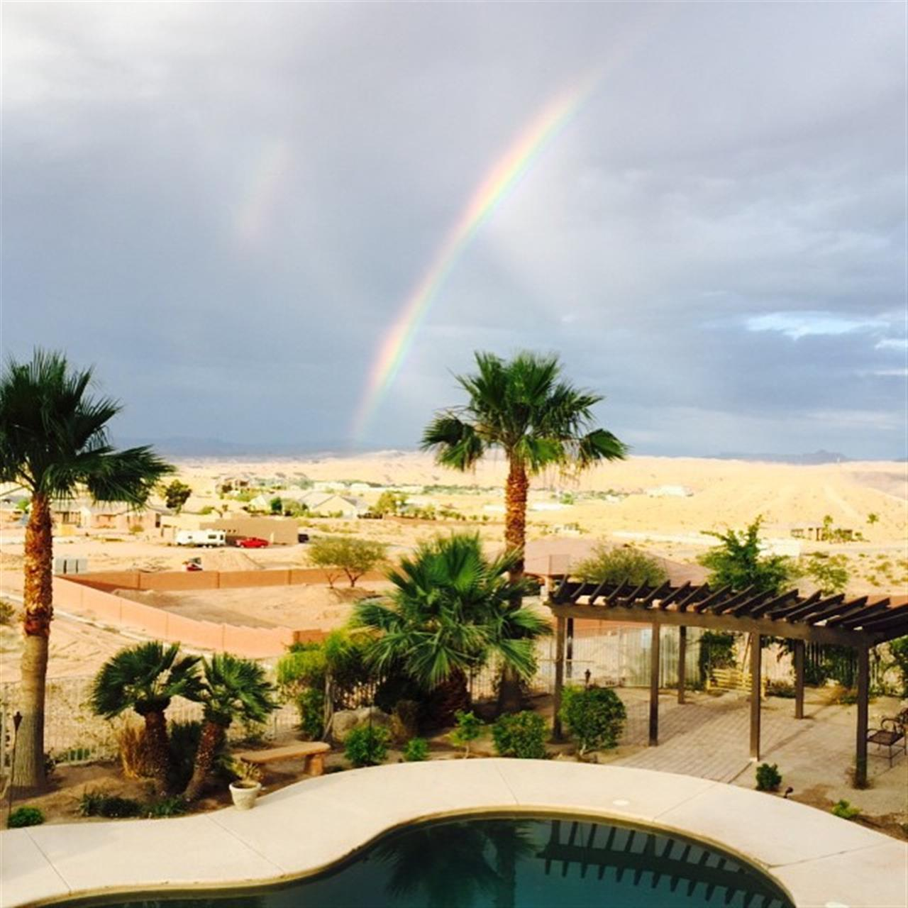 Cool rainbow early this morning. #moapavalleyrealestate