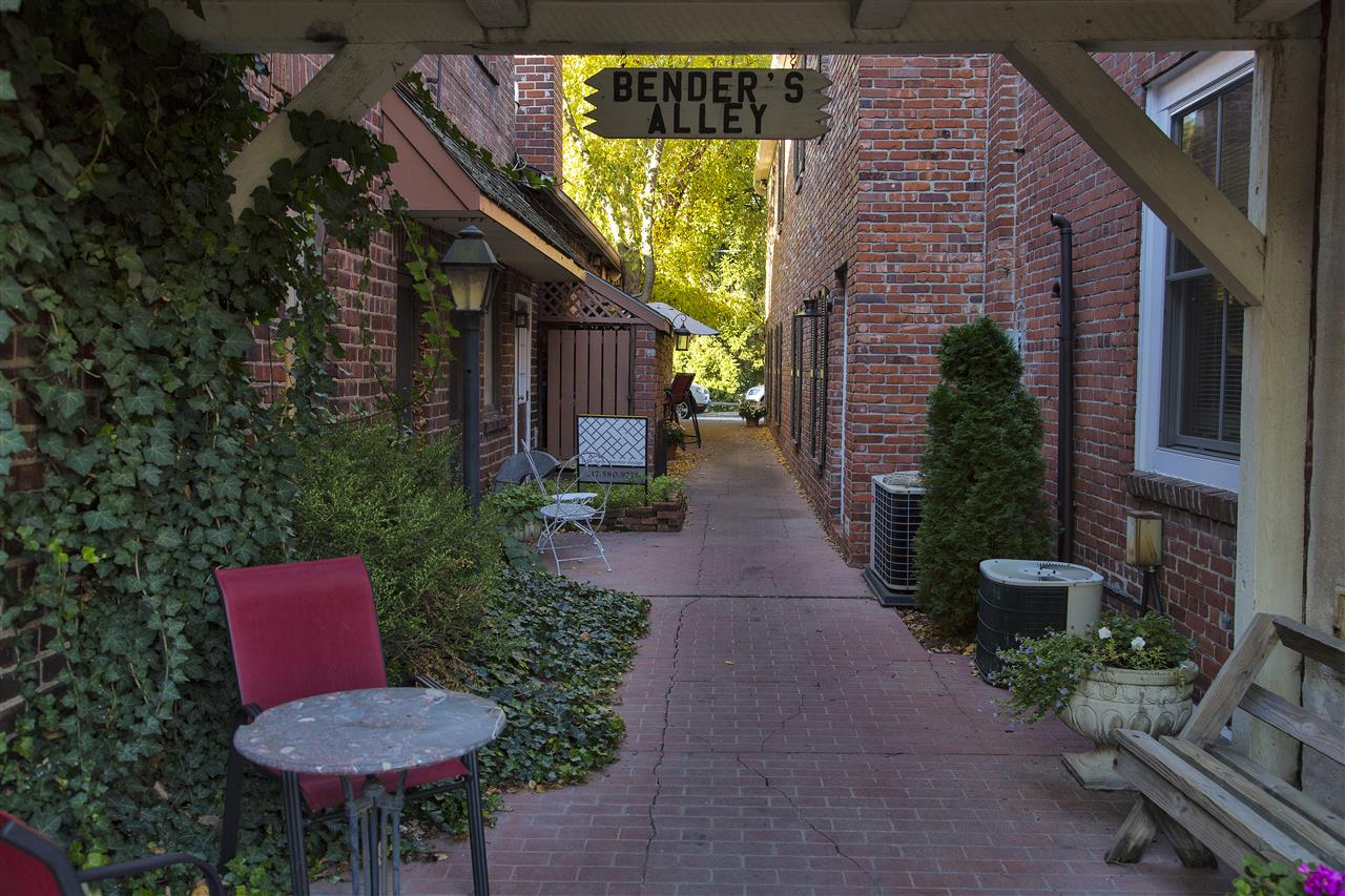 Benders Alley, Zionsville Indiana