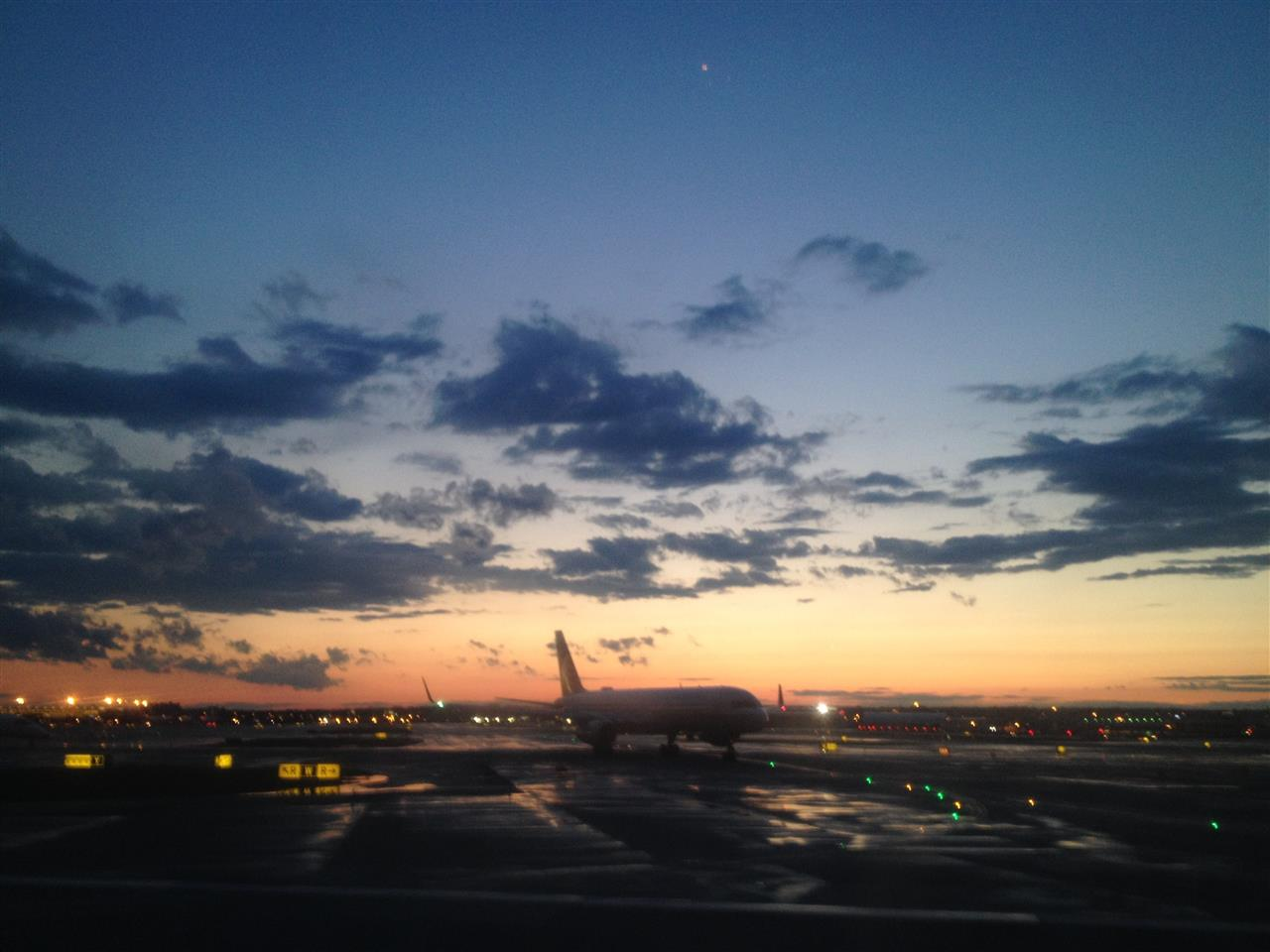 Washington Dulles International Airport, Sunset Watch, Runway