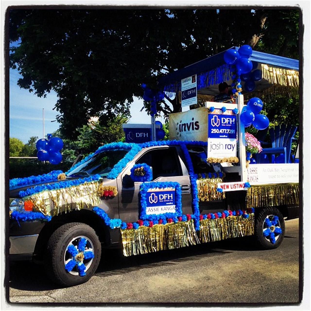 #oakbayteaparty #parade #oakbay #leadingrelocal