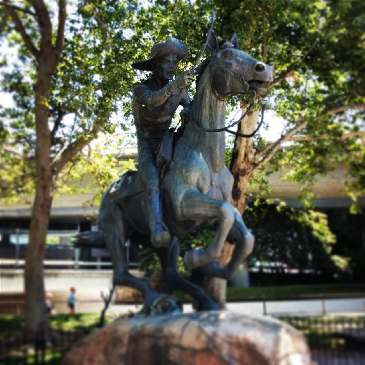 Did you know the #ponyexpressmonument rider's costume is based on a paragraph in Mark Twain's Roughing It, published in 1872. #leadingrelocal #lyonrealestate #oldsacramento