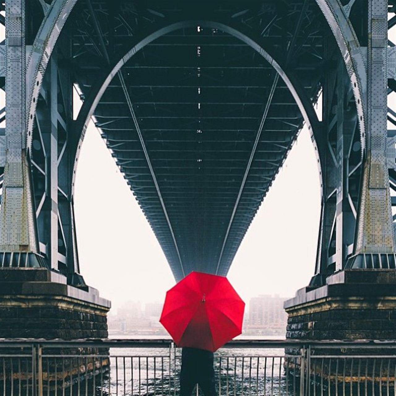 The Red #Umbrella (Photo from @kurtdee)