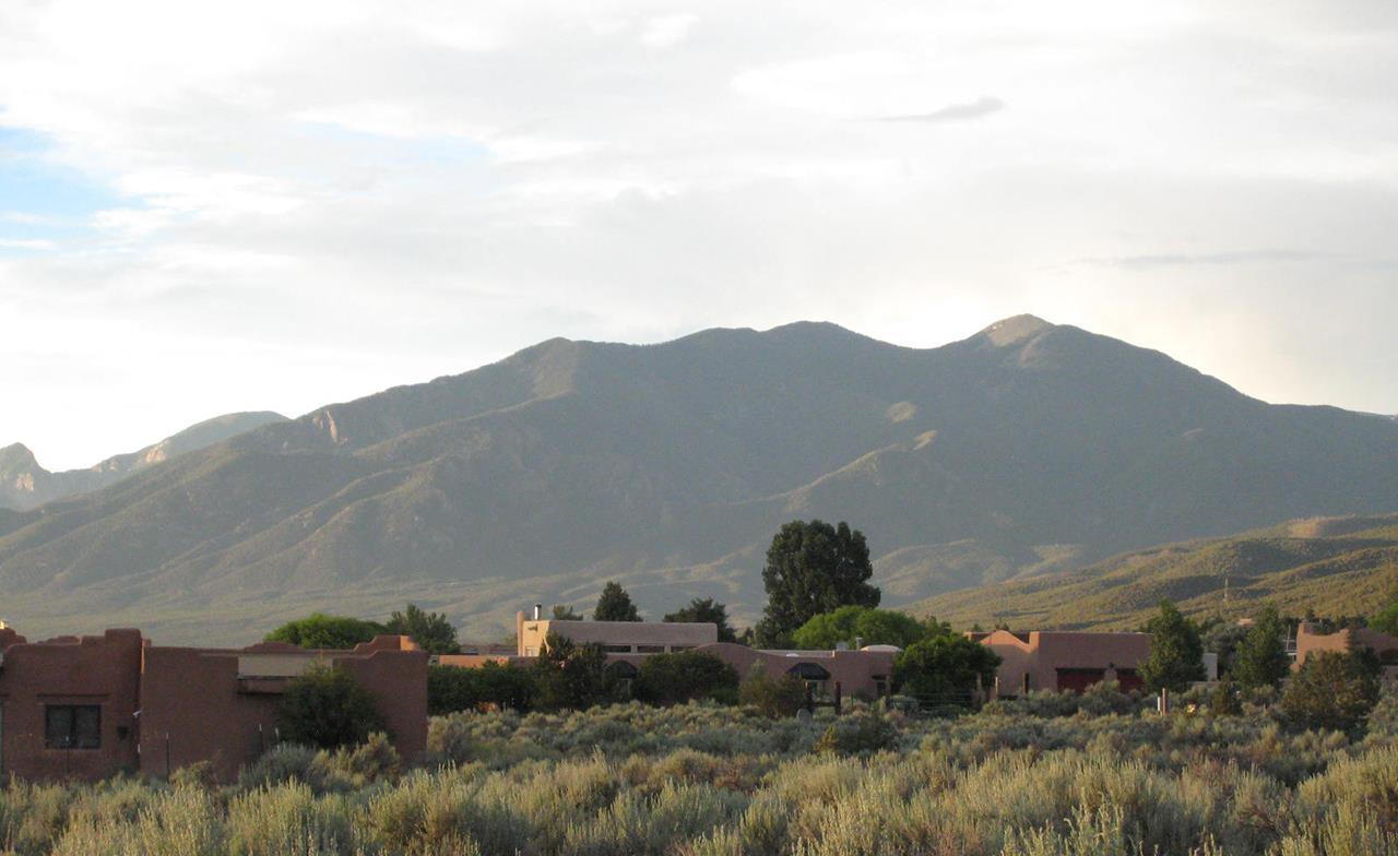 #Taos neighborhoods #Weimer houses #Taos #New Mexico
