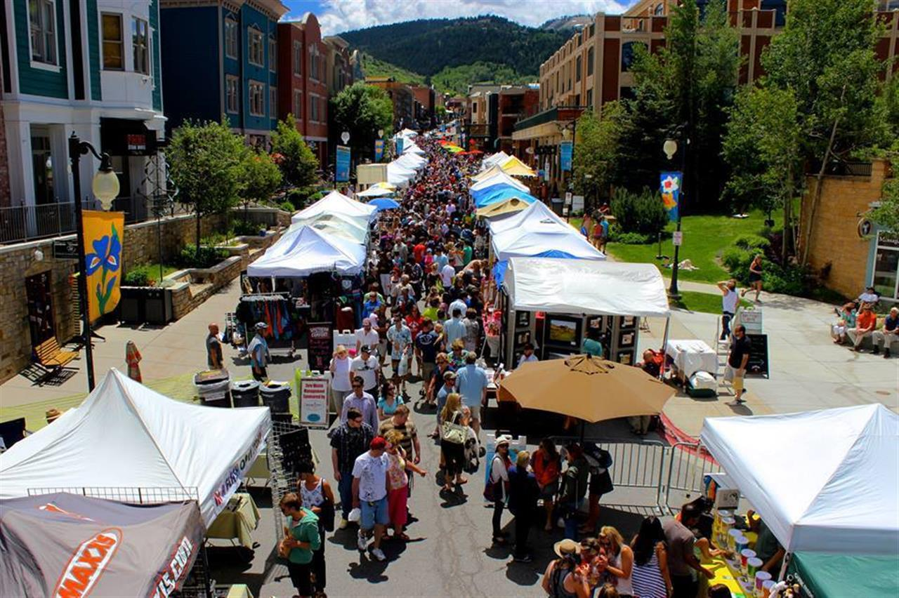 We are so happy to be a Park Silly Sunday sponsor for the second year in a row. Every Sunday in Park City in the Summer on Main Street! #parksilly #parkcity #Utah #leadingrelocal #artists
