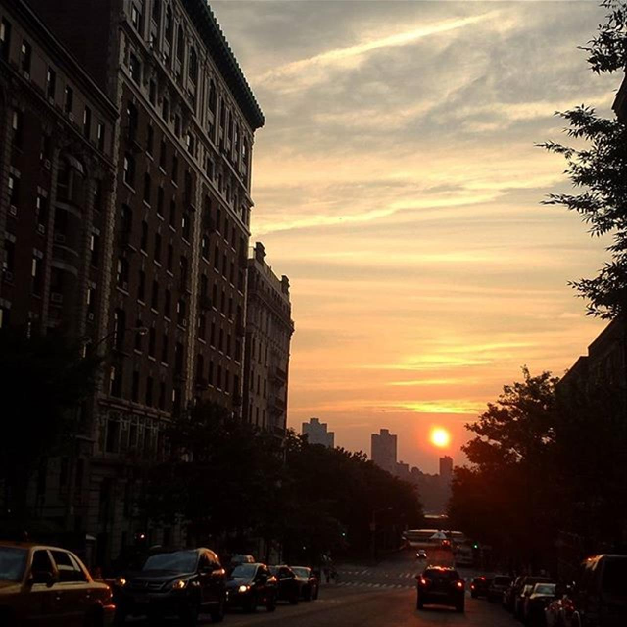 A classic western ending...#westend #sunset #hudsonriver #exploreyourhood #leadingrelocal #upperwestside