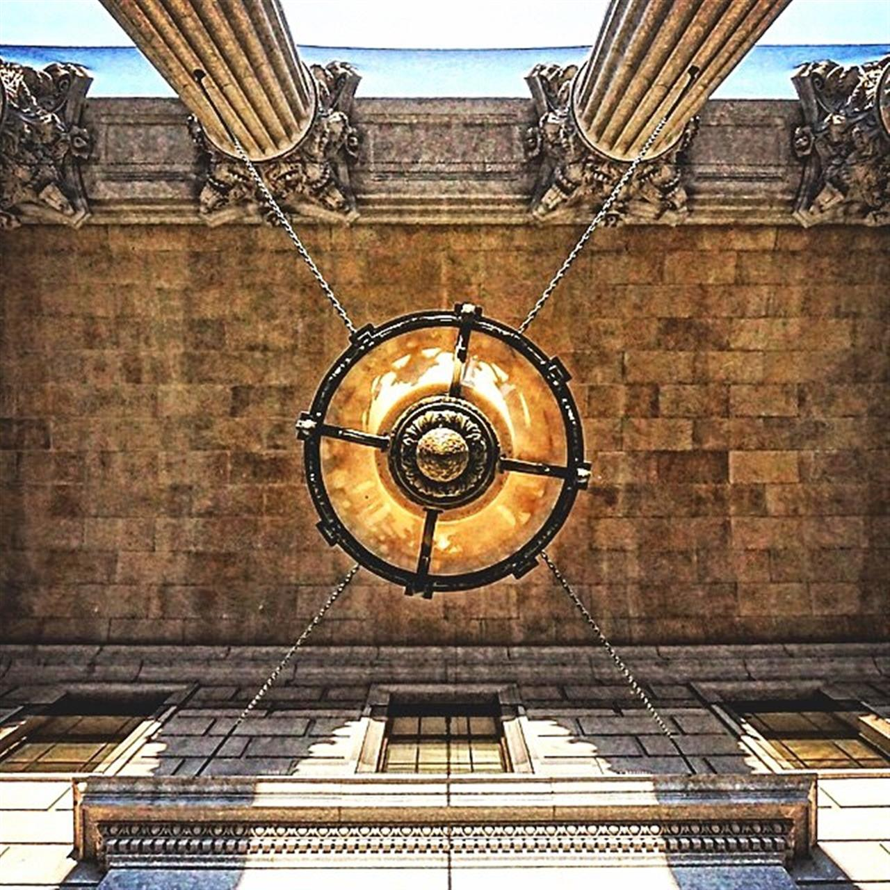 Look Up! (Photo from @sarahandnewyorkcity)