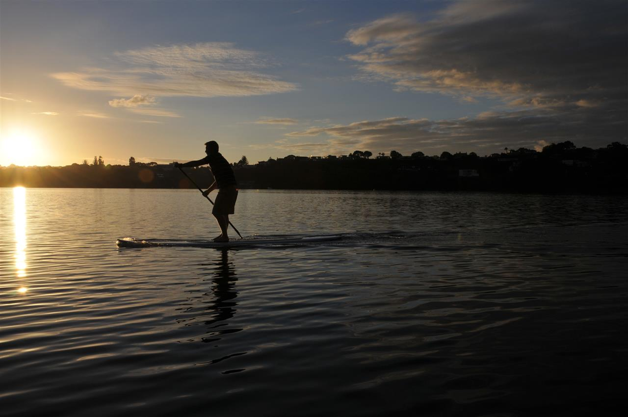 Paddle Boarding in the Harbour. Auckland, New Zealand ?#LeadingRElocal