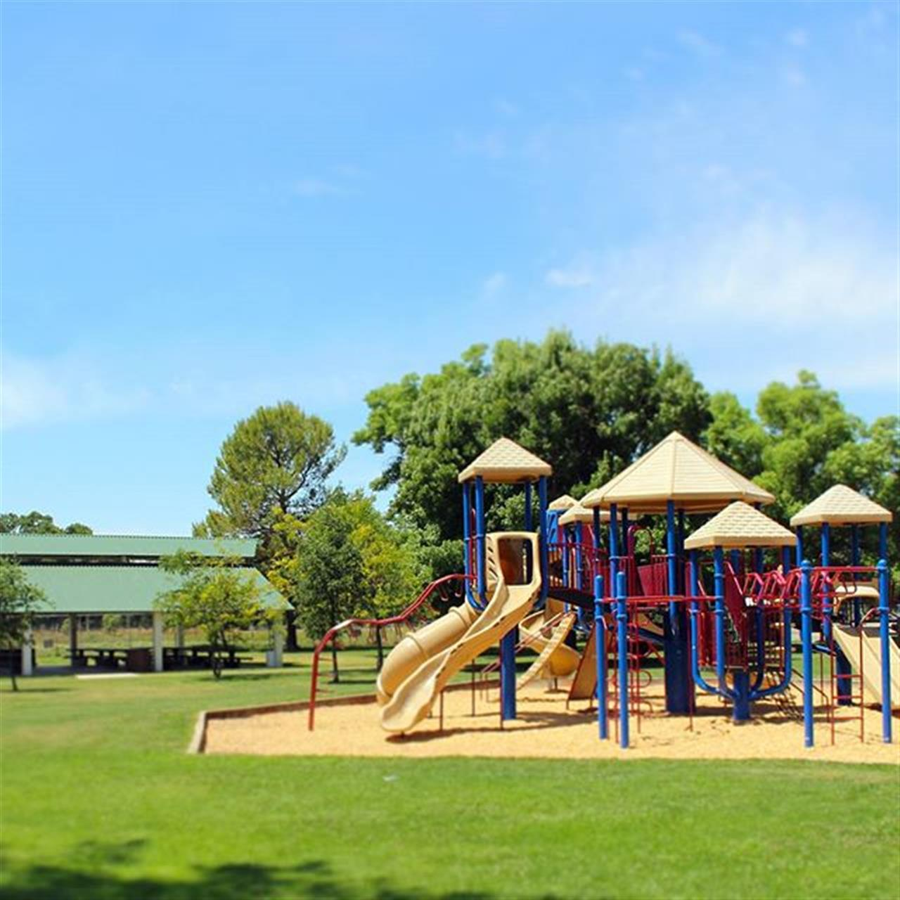 Family friendly parks located in #orangevale. #lyonrealestate #leadingrelocal #parks