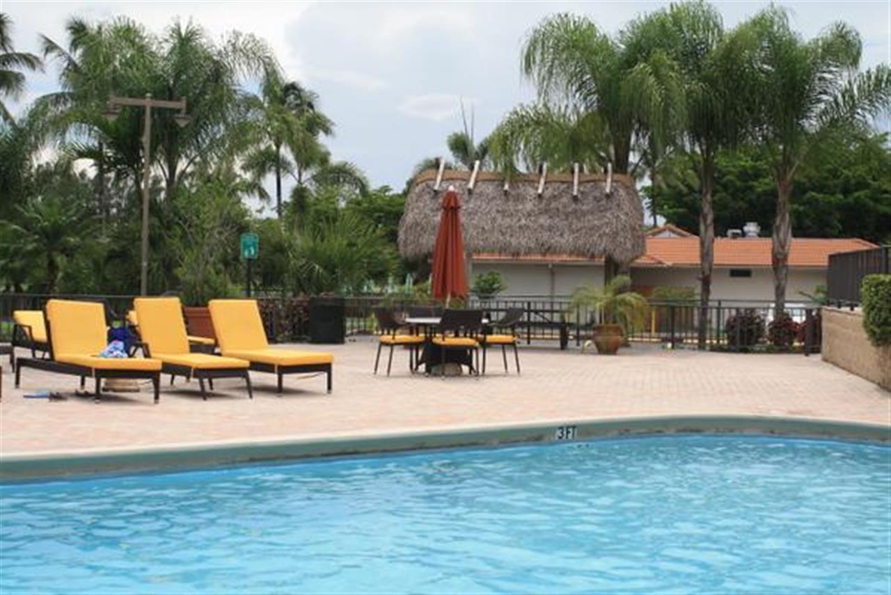 #LeadingReLocal #soflo Pool at Costa Del Sol, @DoralHomes