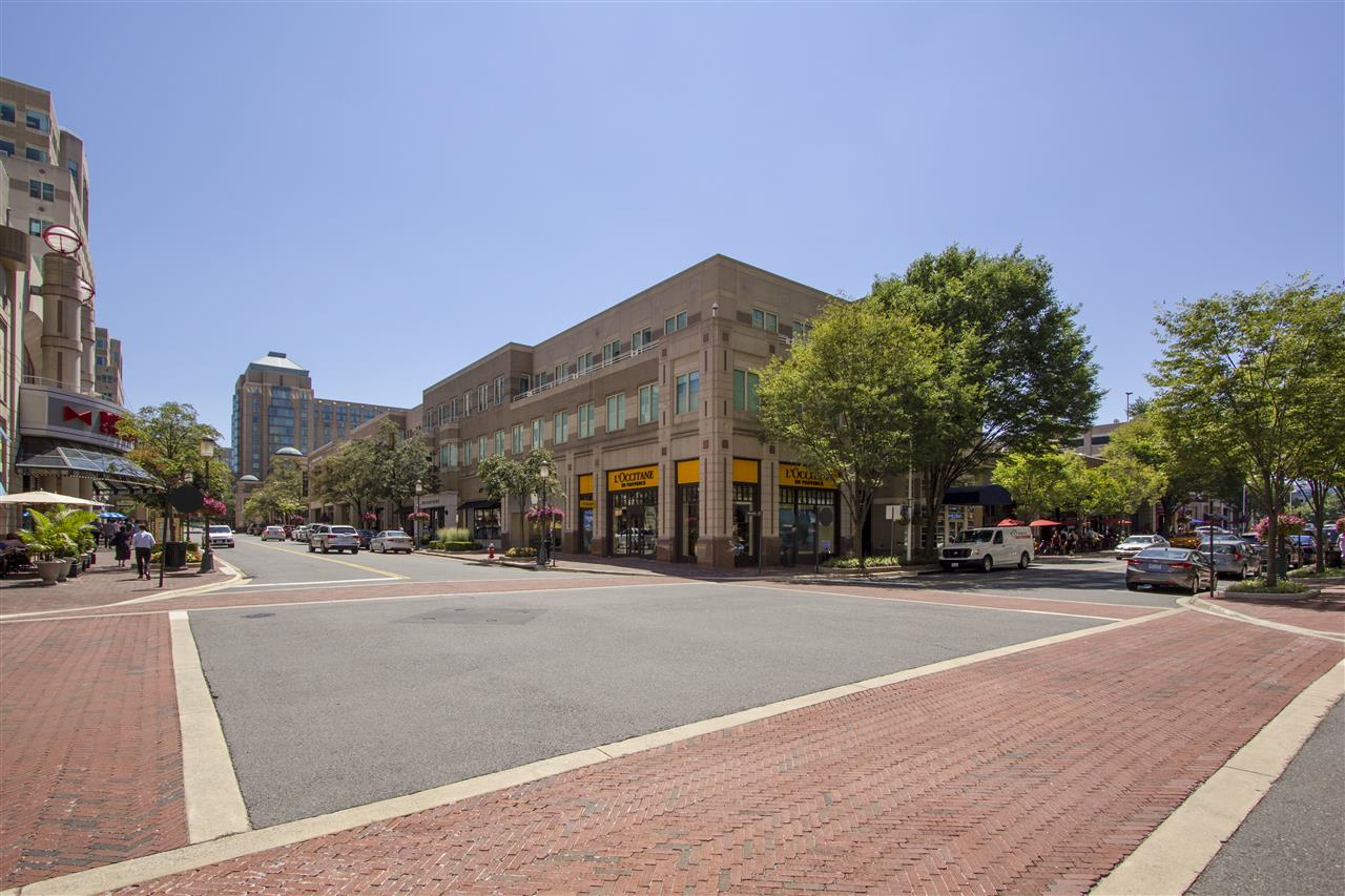 Reston, VA (Reston Town Center)
