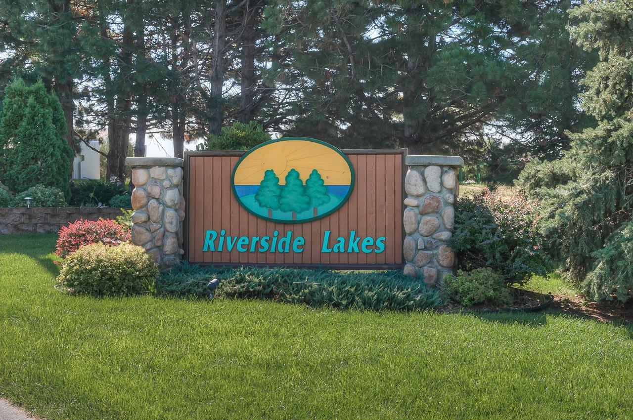 Riverside Lakes along Elkhorn River  West of Omaha Waterloo NE