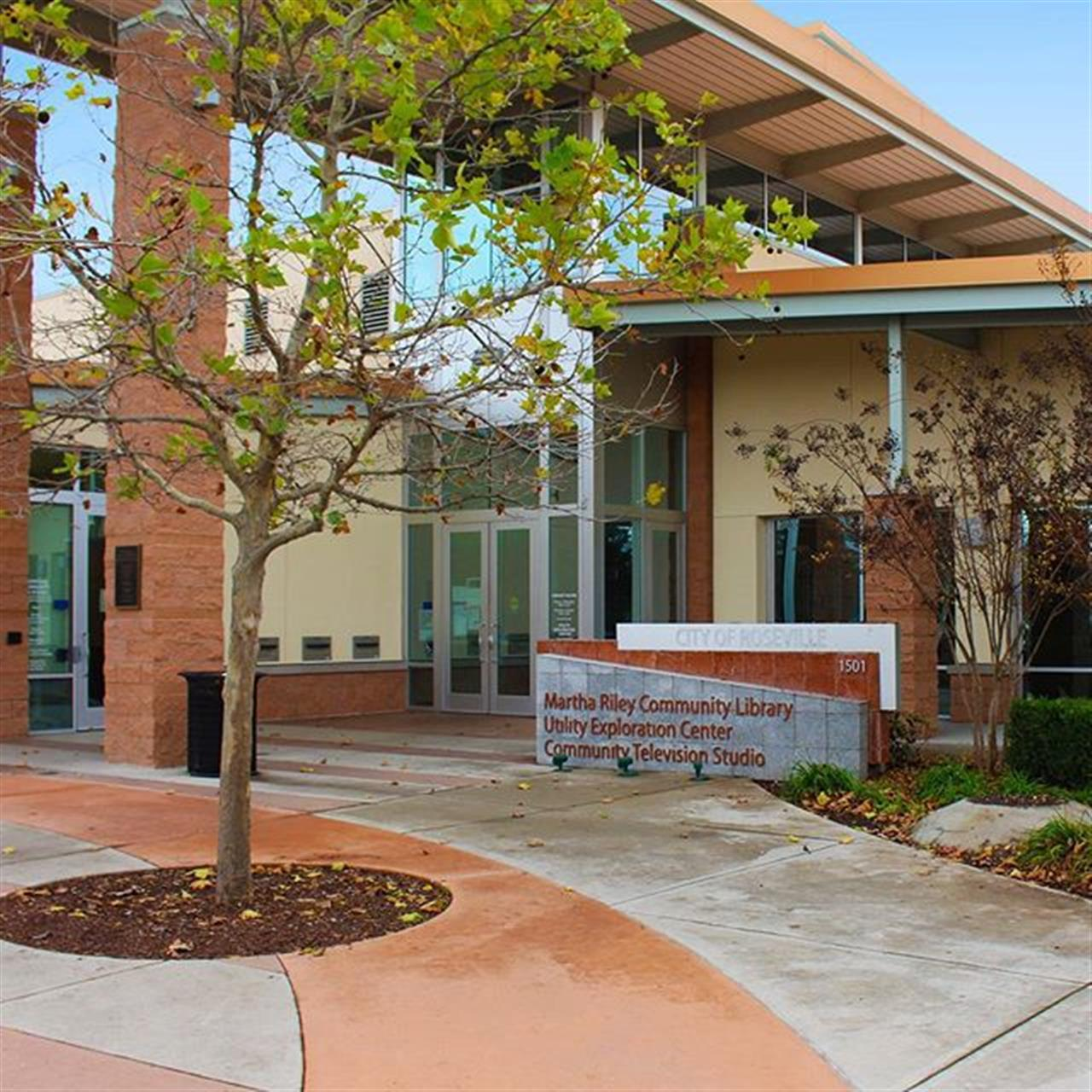 The City of Roseville - Martha Riley Community Library is a great local library for kids and book lovers. This library is located in Mahany Park in Roseville. #lyonrealestate #leadingrelocal #rosevilleca #locallibrary