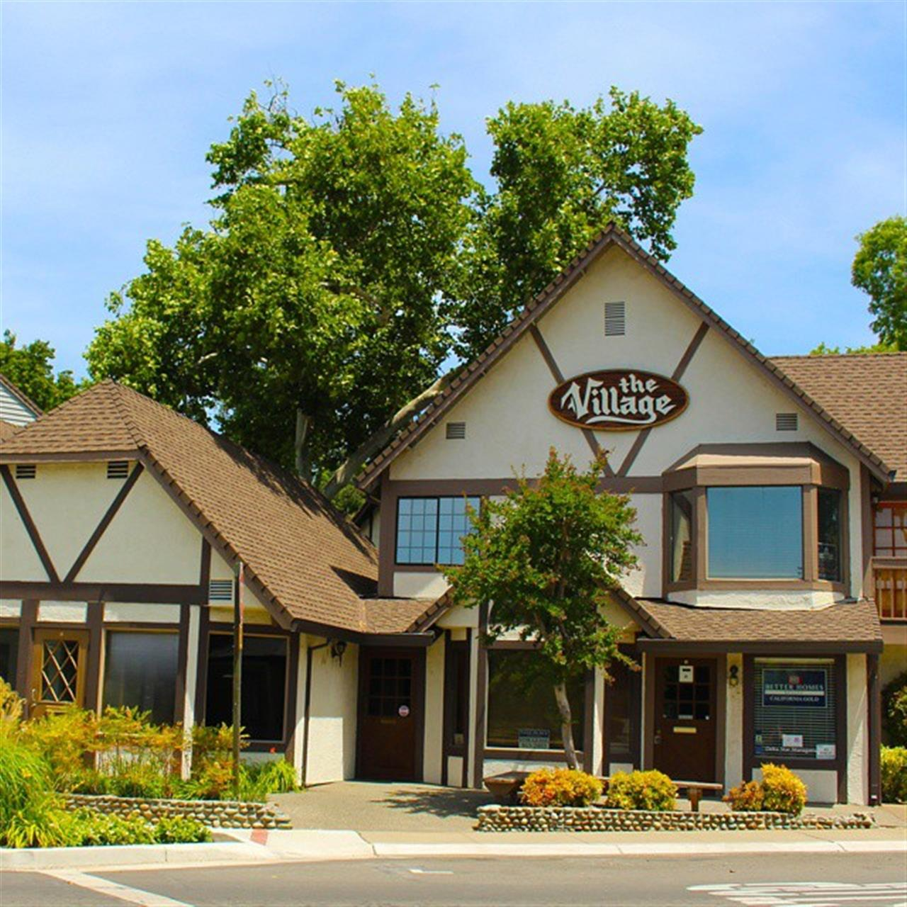 The Fair Oaks Village is such a quaint part of town. Great for a family outing. #leadingrelocal #lyonrealestate #oldfairoaks #fairoaksvillage #fairoaks