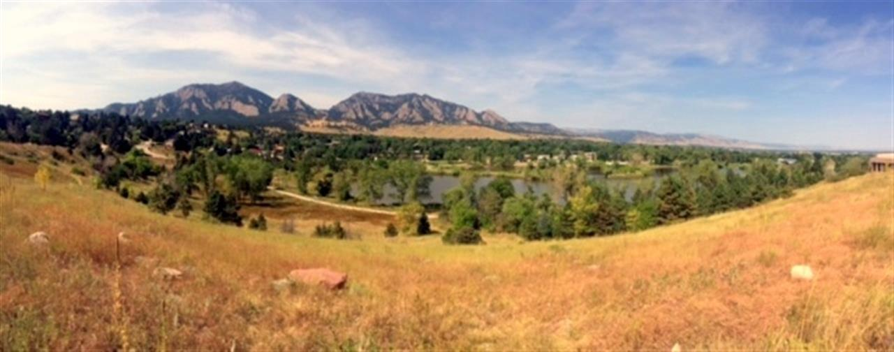 View of the Table Mesa subdivision in South Boulder.